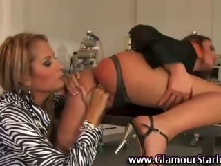 Pussy loving lesbos get wet