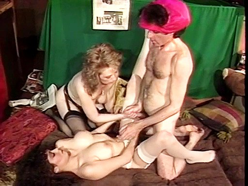 Two hot pussies – double pleasure
