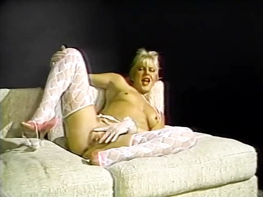 White lingerie lady sex..