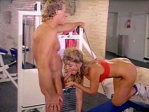 Sporty chick of porno 1970 gives bj in the gym