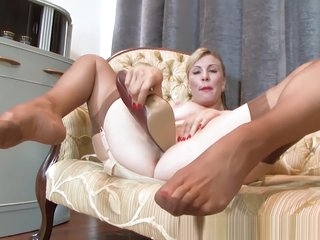 Sexy blonde Saffy fucks..