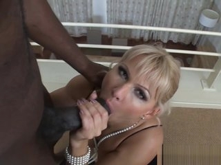 Glam milf anally rides