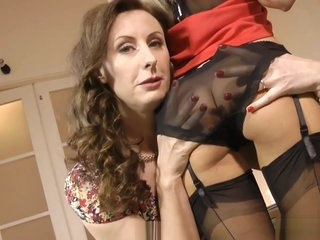 Mature british les pussylicking tight box